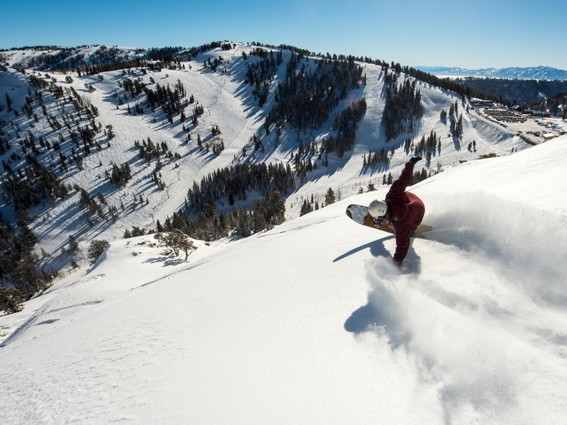 Showing Up In The Scenic Slopes – The Global Top Skiing Resorts