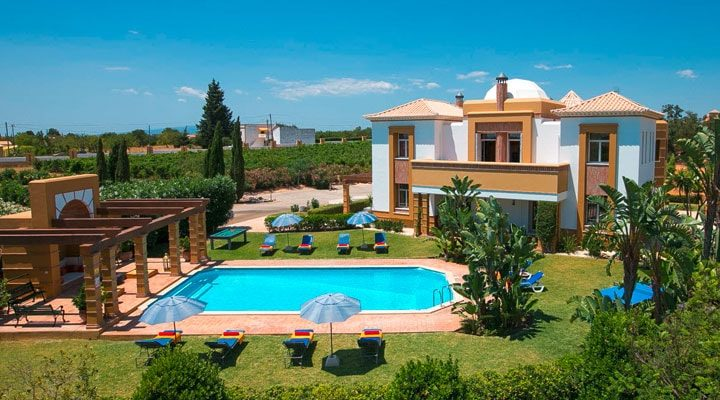 Important Aspects to Consider Choosing the Best Villa for Vacations