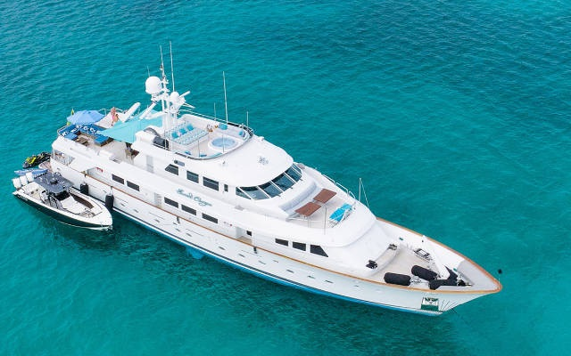 Enjoy Your Time with a Luxury Yacht Charter Vacation