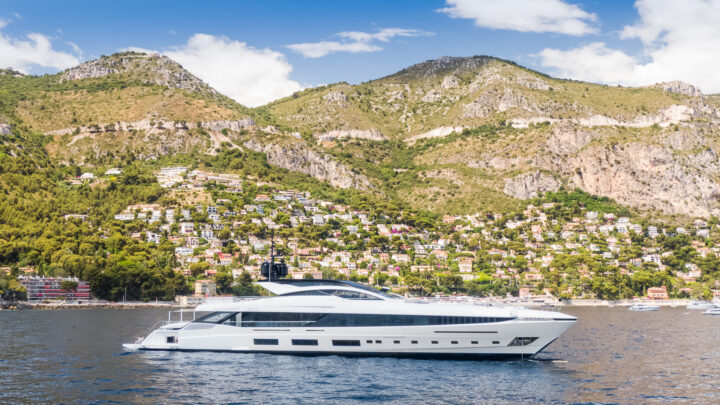 The latest Gran Sport 54 for sale from Mangusta with TWW Yachts
